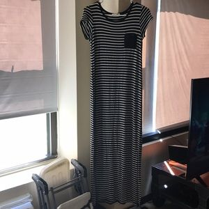 Long dress with pocket